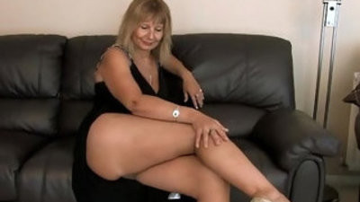 Alex big titted cougar solo finger bang