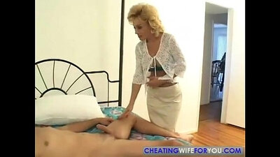 Reidi takes his coochie all the way! Steamy aunty deepthroats big cock