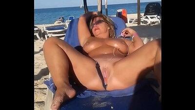 slut wife fucked on the beach