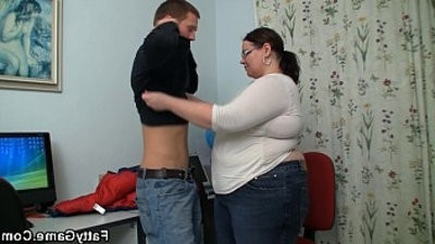 Big belly instructer fucks stud