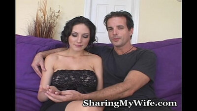 Wife with younger cutie gives great orgasm