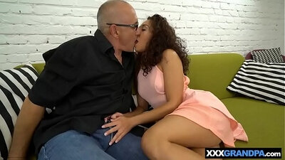Teen niece showing off her pussy to men soo grandpa