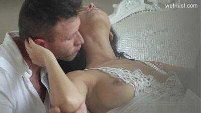 Curvy Anya Sakuraba touches off erotic vibes in cowgirl pose
