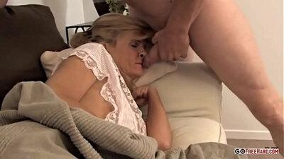 Lucky man bangs his neighbour mom