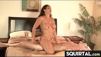 Squirting she orgasm