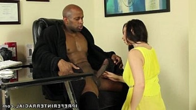 White Nympho Wantranssexual to Be Pounded By A Big Black long hard