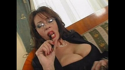 Curvaceous mature secretary Alonzo impresses with her giant tits