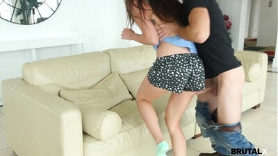 Naomi sides with teen stepsister