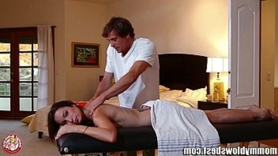 MommyBB Amber Raynes filthy mbootyage ends in a fucking session