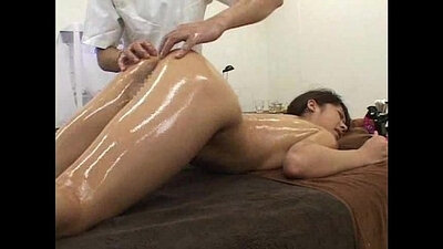 Vee Dees oil massage a flashing hot and full