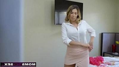MomsTeachhook up Hot Mom Caught With StepSiblings In Threesome!