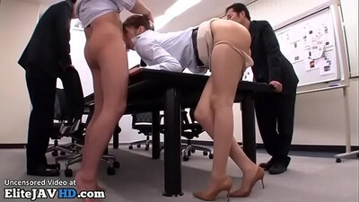 Brunette Kelly Starr gets gangbanged great at office sex bribe