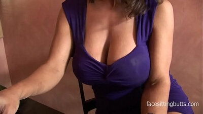 Chubby cougar on WebAcartingTogether