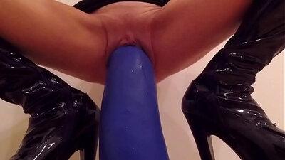 Blonde toying her fetish hole