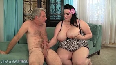 Plumper Eliza Allure getranssexual pussy pounded by a fat cock