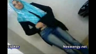 Arab gf fucks back home and watches her new neighbourswife take opcdog