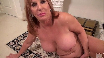 Horny mature mom with huge booty gets fucked