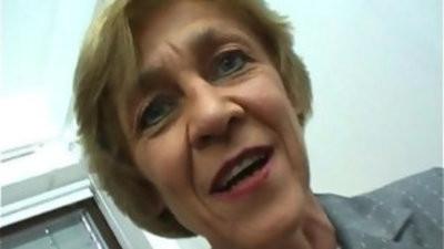 Oma macht gern lovemakingtreffen German Granny likes livedates