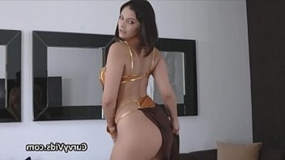 Curvy Leia shows up on a hard dick