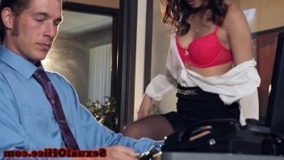 Office secretary dicksucking before cumontitranssexual