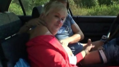Granny getranssexual scravingsed in the car