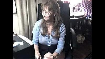 Granny Mastrubates With Giant Drakes On Cam