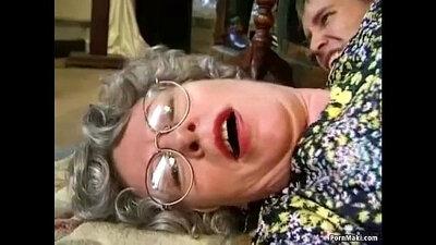 Chunky granny wants a juicy