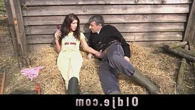fuckslutty countryside girl loves sucking and fucking big dick
