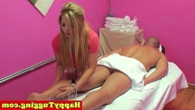 Blonde asian handjob mball saceuse