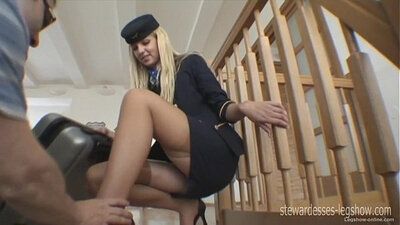 Awesome step sister with hair pulling legs
