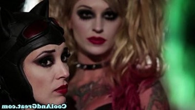 Catwoman pussyfucked in trio by joker
