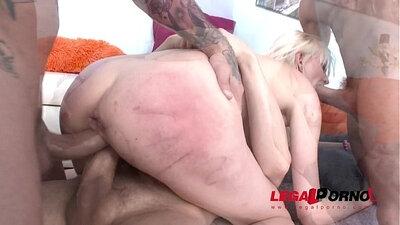 Blonde Slut Beatrix Banks Having Anal Sex Double Penetration