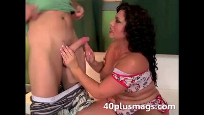 Cuban BBW MILF Humping her big Woman