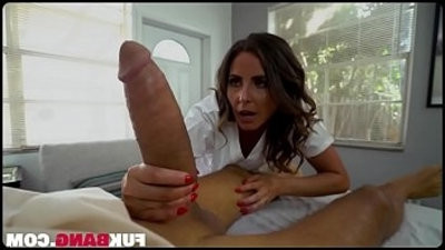 Helena Price In Giant Dick Fitranssexual in Milf Pussy