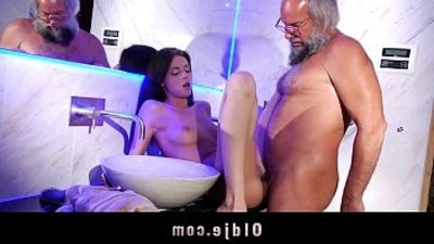 Young and horny therapist hard style anal fucking beard old man into the bathroom