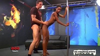 Gorgeous Ebony honey Getranssexual pou