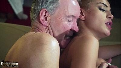 ANNAPP- Underground filming of porn and bondage femdom babe fuc