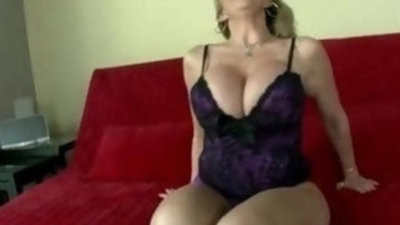 Busty pornographystar sara jay shows off her huge ass