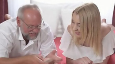 Granddaughter plays undress poker with grandouble invasiona