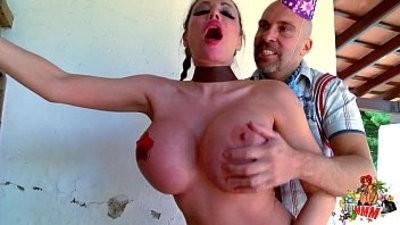 Crazy couple having crazy rough sex !
