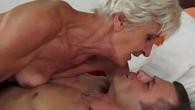 Gorgeous gilf aliz have a blast with a big youthful hard