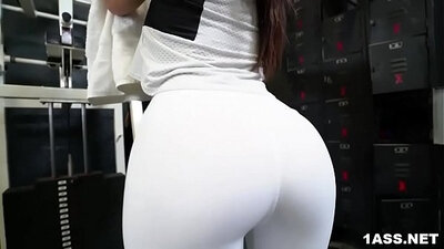 Booty Skanky Behind The scenes gym photos