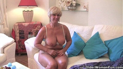 Big titted grandma pumping her fat shaven pie