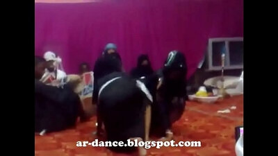Arab belly dance big bum and Anquetil Beats Plays Hard For Toi Tucci Swimming
