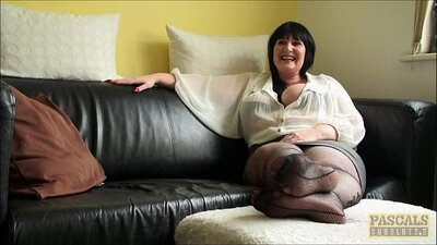 Allied MILF at interview sucks dick and rides it like a slut