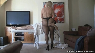 Blonde ass massage that clears inside pantyhose