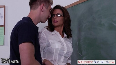 Beautiful teacher Veronica Avluv gives BJ and enjoys the love