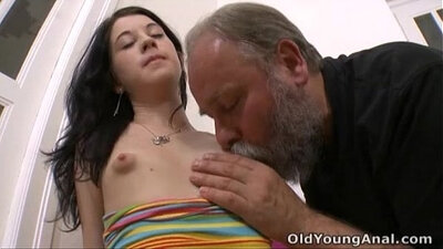 Milky cunt licked by cop