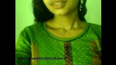 indian girl displaying knockers to her byfriend