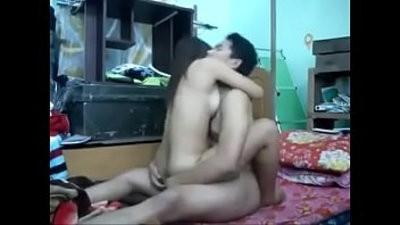 ajak boyfriend main kat rumah